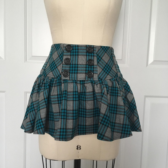 Candie's Dresses & Skirts - Candie's Juniors Plaid Mini Skirt
